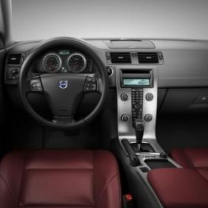 Volvo C70.