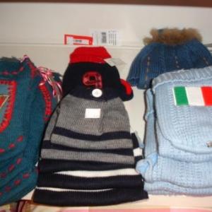 pull italie 9.95 euros bleu et gris 9.95 euros
