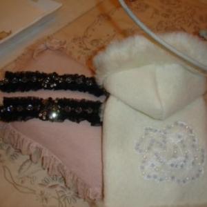 collier noir 98 euros manteau 98 euros