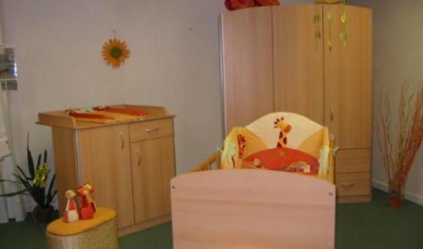 399 euros Chambre 3 portes commode  plan langer et lit