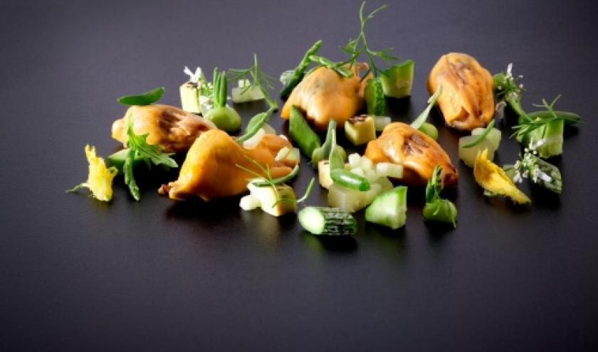 Komkommer - wilde rijst - bbq mossel - zeekraal - avocado