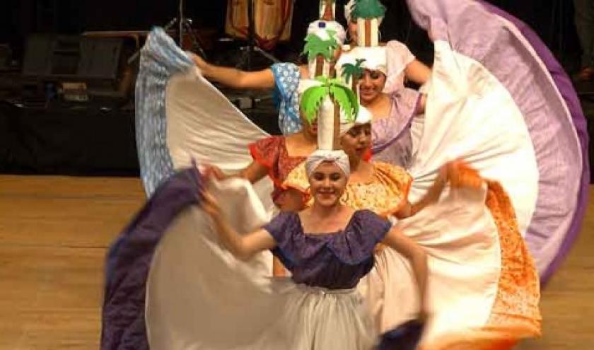 Conjunto de Danza Folklorica Expresion Latino Americana, de Cuenca, en Equateur video 1