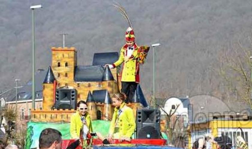 video du bal du carnaval des enfants de La Roche 2012