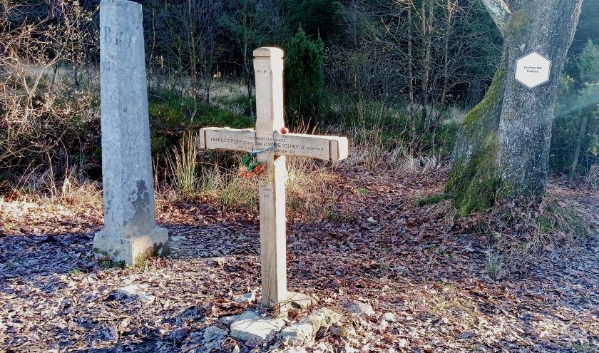 La croix des Fiancés ( photo F. Detry )