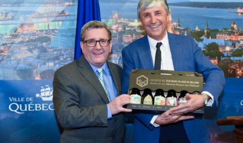 """Regis LABAUME, maire de la ville de Quebec et Alain COLLIN, President des """" Plus beaux villages de la Terre"""""""