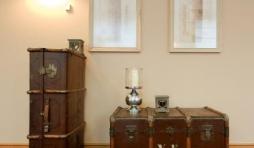 meuble ancien avec decoration