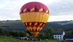 Ferme de la Montgolfière : décollage à Parfondruy