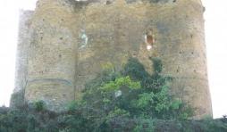 Le majestueux donjon du chateau