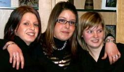 Melissa Chalon,Angelique Daussaint,Cynthia Charneux