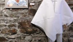 Le comite d'accueil dans les caves de l'Abbaye