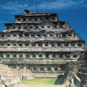 Piramide de los Nichos, Tajin