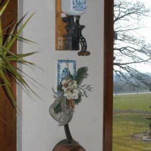 moulin a cafe mural+planche a tartiner+ poelon en cuivre