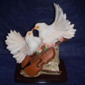 volombes et violon 9.28 eurod h 16 cm