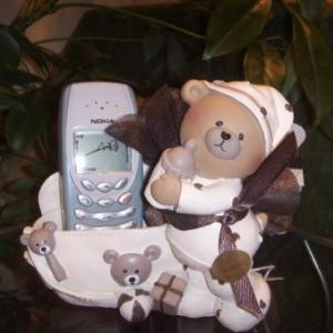 Porte GSM ours honey 9.95 euros - H 13.5 cm - L.13 cm