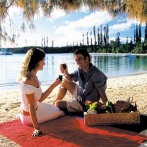 Pic nic sur la plage - (c) Nouvelle Caledonie Point Sud