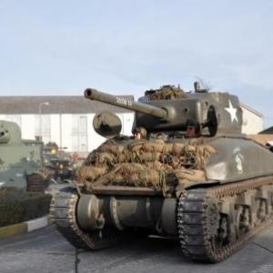 Char SHERMAN au Bastogne Barracks (Base Bastogne rue de La Roche)