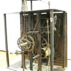 LE GARDE-TEMPS  ,  RESTAURATION  REPARATION  d'horloges et de pendules anciennes a BASTOGNE jolie ville de BELGIQUE