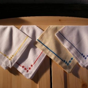 47. serviettes, broderie masloul (2 euros chacune)