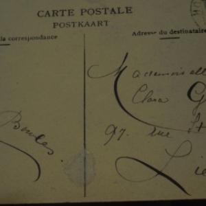 1907 Exemple de calligraphie. Pour indiquer la sagesse de la jeune fille, qu'il ne fallait pas se familiariser: la majuscule de son prenom n'attire vraiment pas l'attention.
