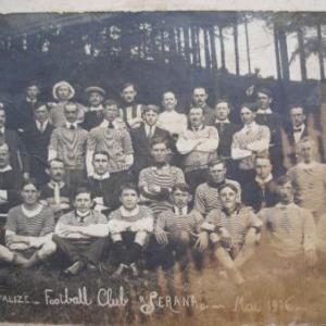 Photo historique: le club de football de Houffalize, en 1916