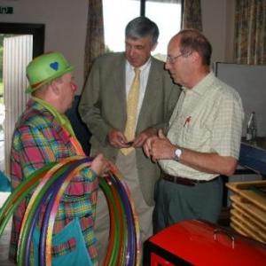 Popol, le bourgmestre Elie Deblire, le president Christian Bellaire