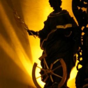 Sainte Catherine, choeur de l'eglise de Houffalize. Avec la palme du martyre.