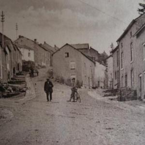 au programme de la prochaine balade, le 11 oct. 2007: la descente du tout vieux quartier de St-Roch (ici, avant 1914)