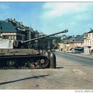 Le tank Panther sur la place Albert 1er.