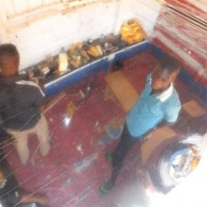 Une photo du plafond; donc une vue du salon d'en haut.