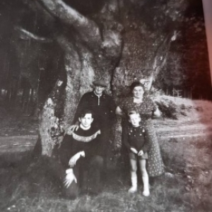 Photo famille Jean Wagner 1956 (son epouse Louise Darte, leurs fils Pierre et