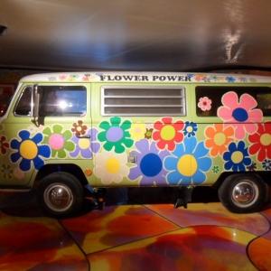Le pouvoir des fleurs. Hippie pip hourah