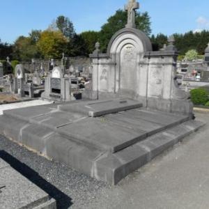 Le mausolee de Mgr Cawet