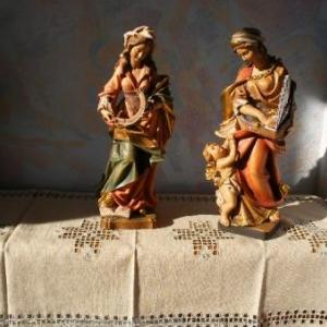 """17. napperon en broderie """"masloul"""" (avec Ste-Catherine et Ste-Cecile)"""