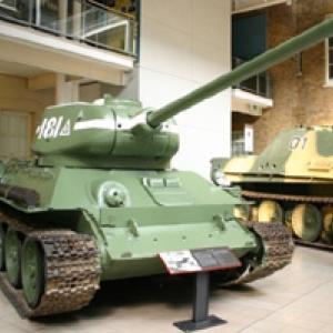 T34-85 (Imperial War Museum - Londres)