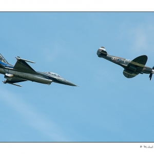 F16 et Spitfire (photo Michel van Reysen)