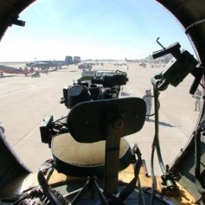 Vue du poste de bombardier (viseur Norden) du B17