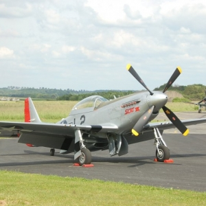 Mustang et Morane Saulnier