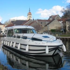 Larguez les amarres pour une merveilleuse croisière fluviale, avec un bateau Nicols