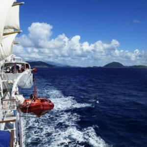 Le voyage dont tous le monde rêve: traverser l'océan à bord d'un majestueux cinq-mâts
