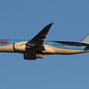 TUI FLY RECRUTE 250 HÔTESSES DE L'AIR, STEWARDS, PILOTES ET INGÉNIEURS