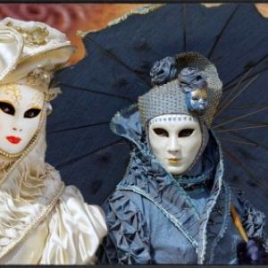 Carnaval vénitien : Sous-lombrelle ©J.Monnin