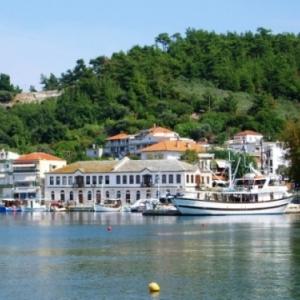 Des vacances alternatives sur l'île émeraude grecque de Thassos