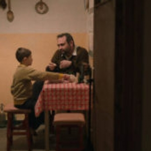 "Prix du Jury & d interpretation masculine (Bogdan Muresanu) : ""Cadoul de Craciun"" (Bogdan Muresanu)"