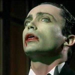 """Steve Johnson, """"Chevalier de l Ordre du Corbeau"""", dans """"Du Sang Pour Dracula"""" (Paul Morrissey)"""