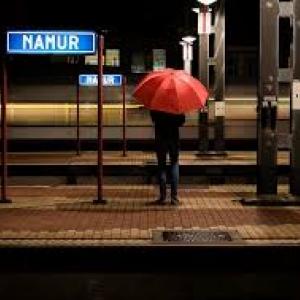 """A Namur, """"Un petit coin de paradis, sous un coin de parapluie"""" (c) Vincent Lorent/""""Sud Presse""""-""""DH"""""""