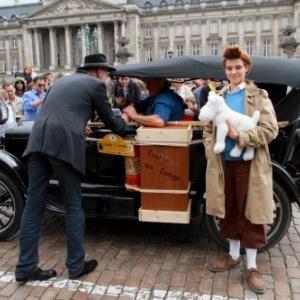 """""""Tintin"""", """"Milou"""" et leur """"Ford T"""", devant le Palais Royal (c) """"Visit Brussels"""""""