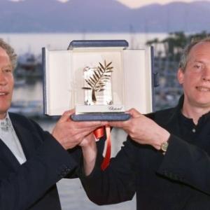 """Leur 1ere """"Palme d'Or"""", pour """"Rosetta"""", en 1999 (c) Michel Gangne/""""AFP"""""""