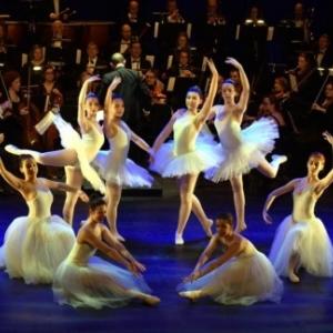 """""""Jeune Ballet de Namur"""" et """"Ensemble Instrumental de Wallonie"""" (c) Andre Dubuisson"""