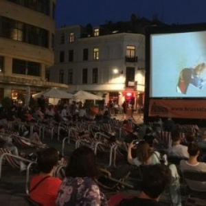 Sur la Place Ste.-Croix, a Ixelles