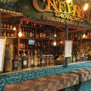 """Caipirinha"", ""quentao"" au gingembre, vin chaud aux fruits et a la ""cachacha"", a deguster avec moderation (c) ""Gael"""